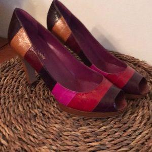 Vibrant 👠🖤♥️Beautiful Sergio Rossi Heels Size 6